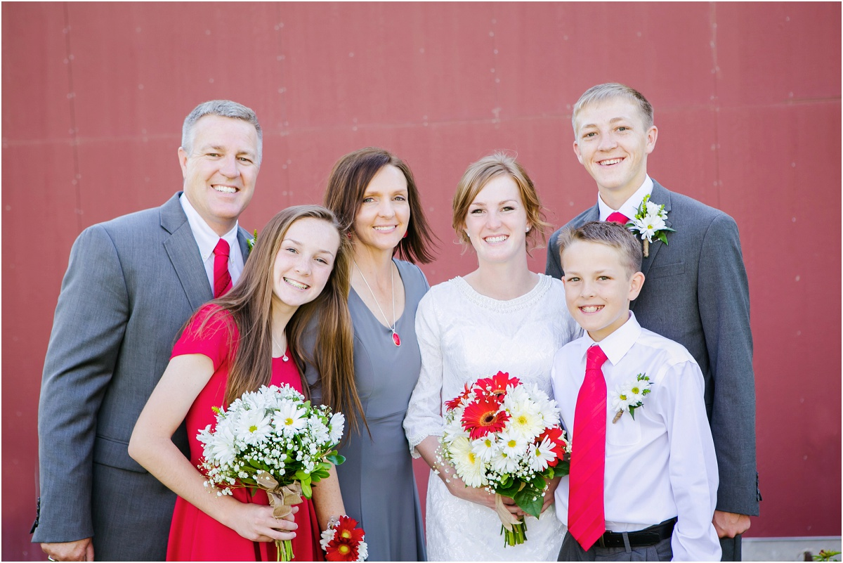 Manti Temple Rustic Wedding Terra Cooper Photography_3088.jpg