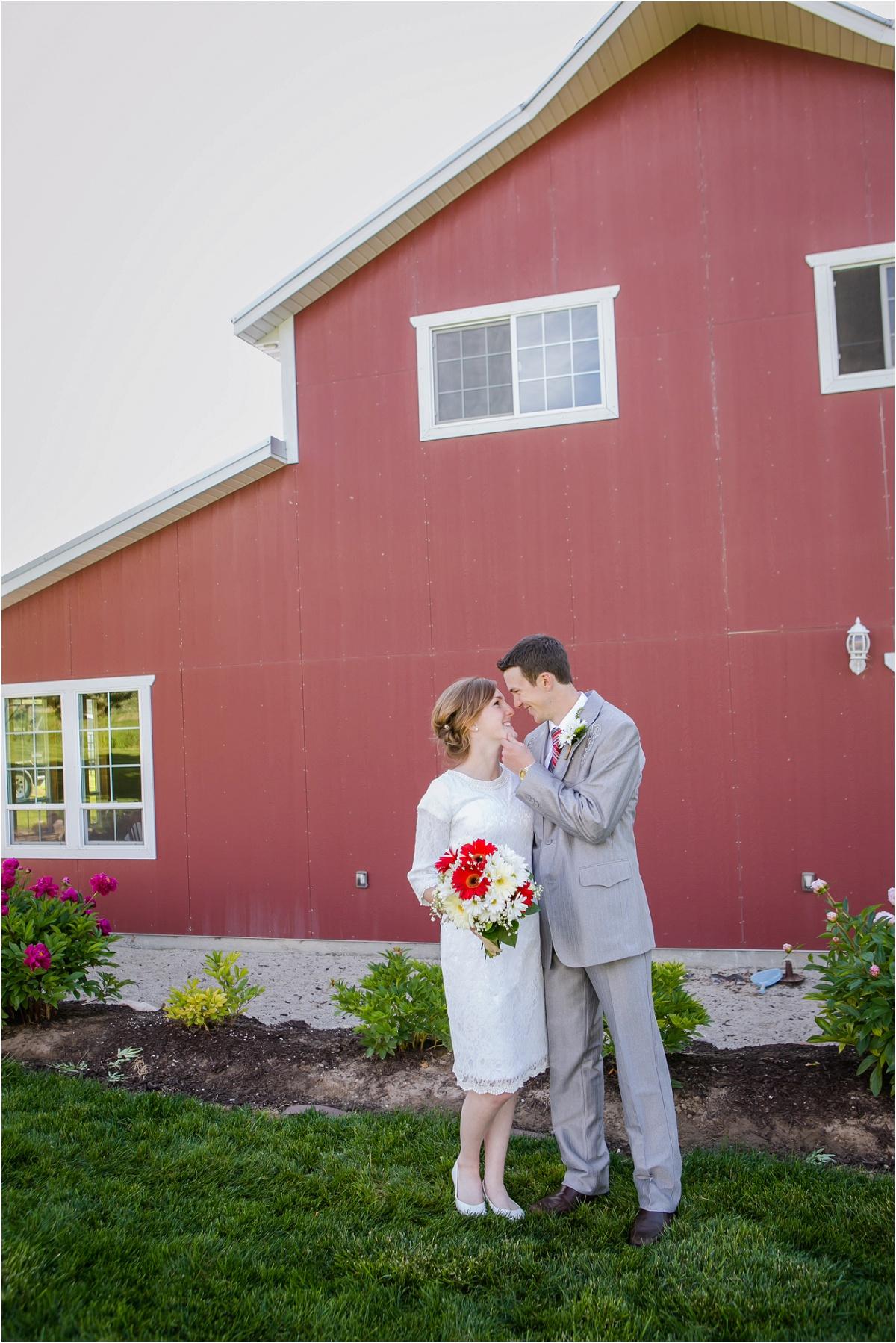 Manti Temple Rustic Wedding Terra Cooper Photography_3090.jpg