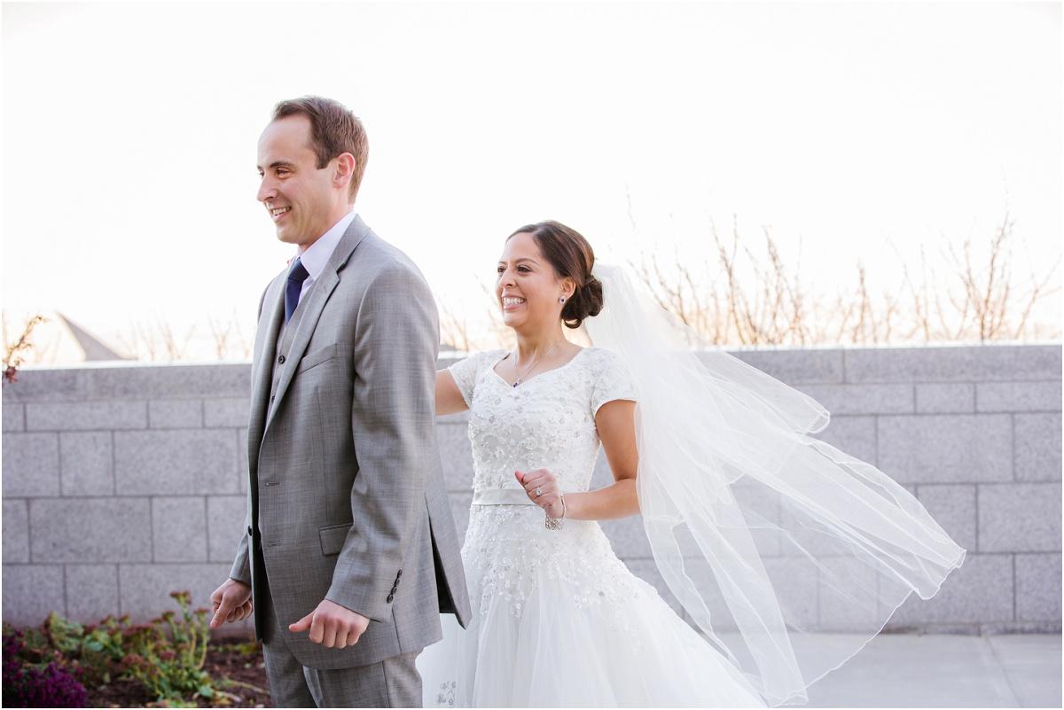 Salt Lake Draper Temple Winter Wedding Terra Cooper Photography_5006.jpg