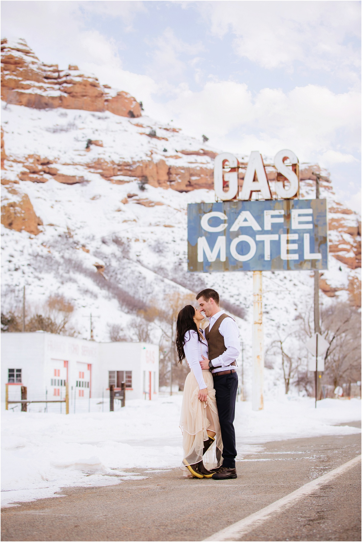 Red Rock Winter Snow Engagements Terra Cooper Photography_5666.jpg
